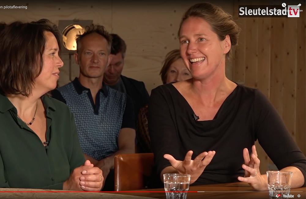 Ianthe tafelgast in eerste 'Studio Leiden'
